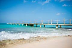在木的海运的桥梁 旅行和假期 查出的黑色概念自由 免版税库存照片