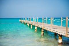 在木的海运的桥梁 旅行和假期 查出的黑色概念自由 图库摄影