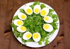 在木的煮沸的鸡蛋 免版税库存图片