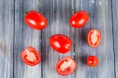 在木的蕃茄 库存图片