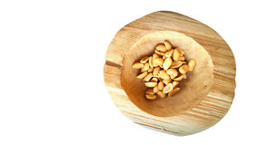在木碗的坚果 免版税图库摄影