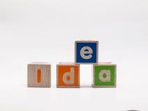 在木立方体的想法 库存照片
