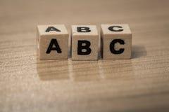 在木立方体的ABC 库存图片