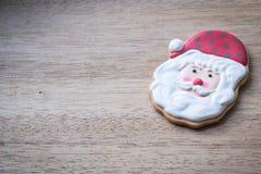 在木背景的圣诞节圣诞老人 图库摄影
