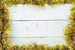 在木背景的圣诞节框架 免版税库存图片
