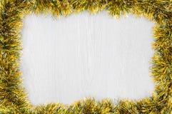 在木背景的新年框架 免版税库存照片