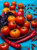 在木背景的新鲜的开胃菜 一种健康生活方式的概念 库存照片