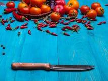 在木背景的新鲜的开胃菜 一种健康生活方式的概念 库存图片