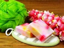在木背景的果子肥皂 免版税图库摄影