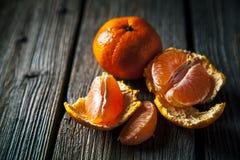 在木背景的蜜桔 新鲜水果 健康的食物 免版税库存照片