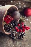 在木背景的装饰圣诞节构成 库存照片