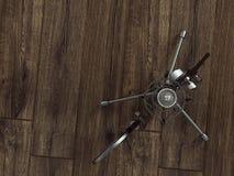 在木背景的话筒 免版税库存图片
