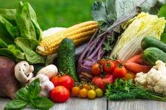 在木表的蔬菜 免版税库存图片