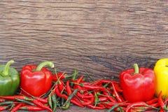 在木表的蔬菜 免版税库存照片