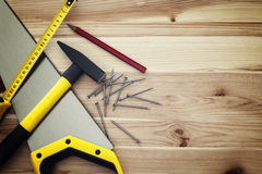 在木头的工作工具 库存照片