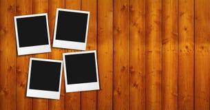 在木头的空白的照片框架 免版税库存照片