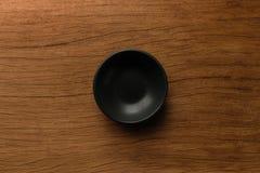 在木头的blackbowl日本顶视图 免版税图库摄影