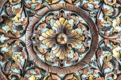 在木头,装饰的元素的被雕刻的样式 免版税库存图片