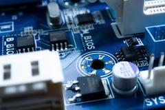 在未来派技术概念的电子线路 免版税库存照片