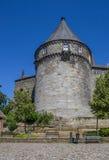 在本特海姆县城堡被加强的墙壁的Batterieturm塔  免版税库存照片