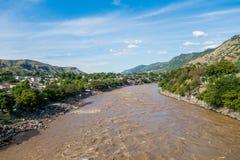 在本田附近,哥伦比亚镇的马格达莱纳河  免版税库存图片