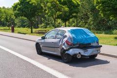 在机动车路停车场停车场在尾端碰撞以后 免版税库存照片