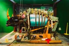 在机器人动物园的机器人犀牛 库存照片