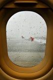 在机场的雷暴 免版税库存照片