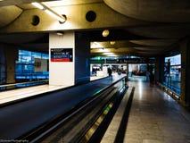 在机场终端的建筑学 免版税库存照片