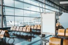 在机场设置的空白的广告横幅 免版税库存图片