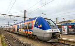 在杂种力量的地方火车在阿维尼翁驻地 图库摄影