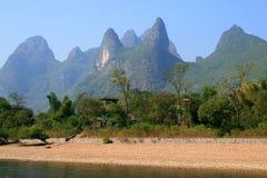 在李河,广西,桂林的美丽如画的风景 免版税库存图片