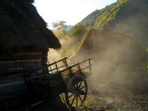 在村庄新鲜空气的早晨 免版税图库摄影