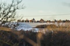 在村庄的看法 免版税库存图片