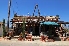 在村庄, Lassity,克利特,希腊的礼品店 免版税库存图片