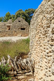 在村庄des Bories的石小屋在Gordes附近 免版税库存图片