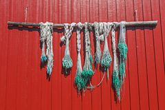 在村民, Svolvaer,挪威房子的钓具  免版税库存图片