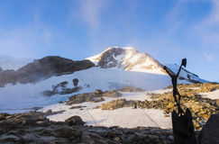 在杜富尔峰的Piramide文森特峰顶日落的,阿尔卑斯,瓦尔奥斯塔 库存图片