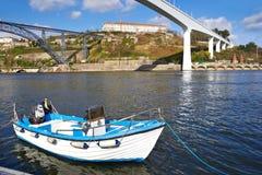 在杜罗河河的小船 免版税库存照片