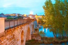 在杜罗的萨莫拉普恩特de彼德拉桥梁 库存照片