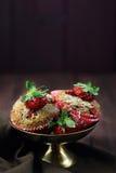在杯子的两个草莓松饼 库存照片