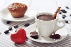 在杯子的热巧克力 免版税图库摄影
