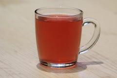 在杯子的自然莓果饮料 库存照片