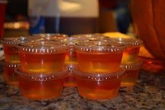 在杯子的Jello射击 库存照片