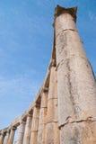 在杰拉什破坏市约旦/Hadrian曲拱的杰拉什  库存照片