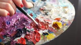 在板台上被盖印的色的油漆, 库存图片