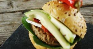 在板岩板的汉堡包 影视素材