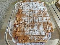 在板材做的蛋糕可口家 库存图片
