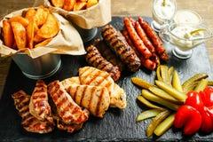 在板材的传统罗马尼亚食物 免版税库存图片