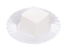 在板材的希腊白软干酪 免版税库存照片